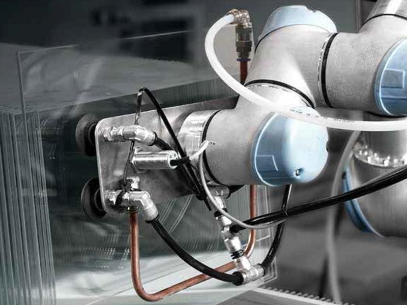 UR3 Robotic Arms working