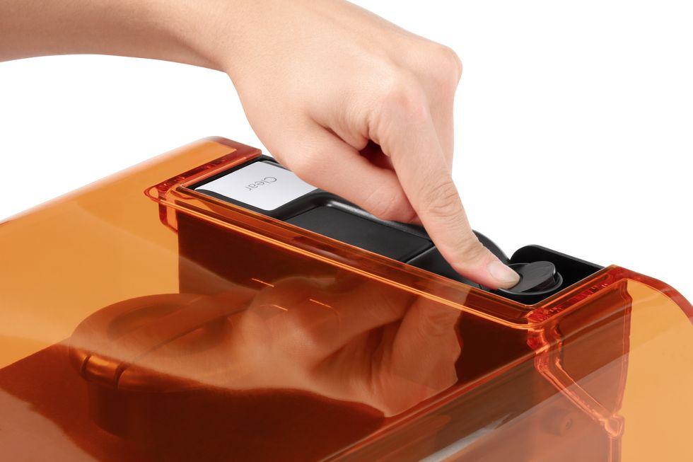 Form2 SLA 3D列印機 自動樹脂卡夾  關閉氣蓋